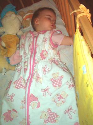Gigoteuse à manche courte avec bébé endormi